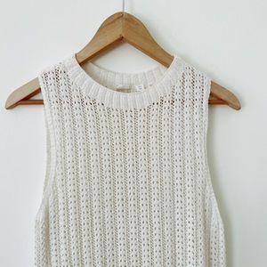 GAP Size Xsmall White/cream Sleeveless Beautifully knit Bohemian style Sweater